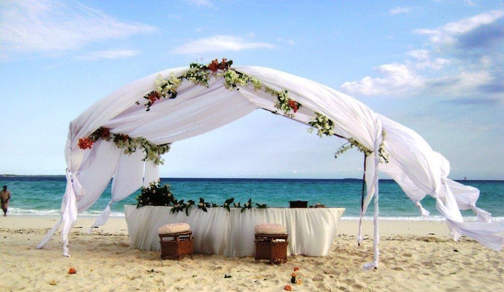 Tanzania Honeymoon Safari & Zanzibar Beach Packages